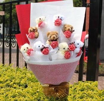 Erzurum yurtiçi ve yurtdışı çiçek siparişi  9 adet ayicik ve 9 adet yapay gül