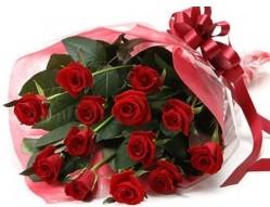 Erzurum çiçek gönderme  10 adet kipkirmizi güllerden buket tanzimi