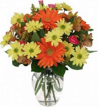Erzurum çiçekçi telefonları  vazo içerisinde karışık mevsim çiçekleri