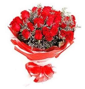 Erzurum ucuz çiçek gönder  12 adet kırmızı güllerden görsel buket