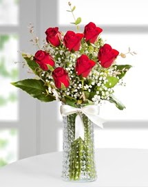 Cam vazoda 7 adet kırmızı gül  Erzurum 14 şubat sevgililer günü çiçek