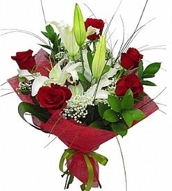 1 dal kazablanka 5 kırmızı gül buketi  Erzurum hediye çiçek yolla