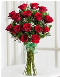 Cam vazo içerisinde 11 kırmızı gül vazosu  Erzurum çiçek gönderme