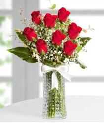 7 Adet vazoda kırmızı gül sevgiliye özel  Erzurum çiçek servisi , çiçekçi adresleri