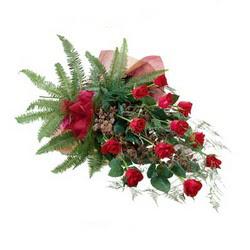 Erzurum online çiçekçi , çiçek siparişi  10 adet kirmizi gül özel buket çiçek siparisi