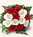 Erzurum 14 şubat sevgililer günü çiçek  10 adet kirmizi beyaz güller - anneler günü için ideal seçimdir -