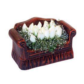 seramik içerisinde 11 gül  Erzurum hediye sevgilime hediye çiçek