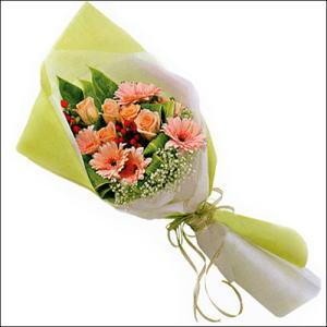 sade güllü buket demeti  Erzurum çiçek online çiçek siparişi