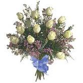 bir düzine beyaz gül buketi   Erzurum çiçek siparişi vermek