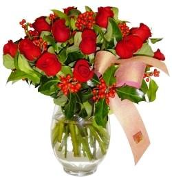 Erzurum çiçek online çiçek siparişi  11 adet kirmizi gül  cam aranjman halinde