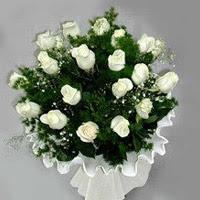 Erzurum hediye sevgilime hediye çiçek  11 adet beyaz gül buketi ve bembeyaz amnbalaj