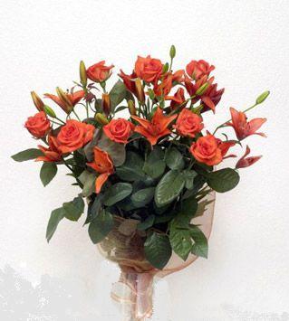 9 adet gül ve 3 adet lilyum çiçegi buketi   Erzurum çiçek yolla , çiçek gönder , çiçekçi