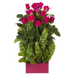 12 adet kirmizi gül aranjmani  Erzurum ucuz çiçek gönder