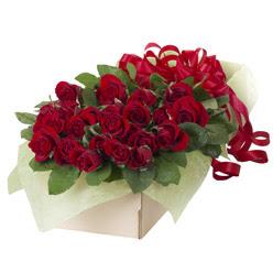 19 adet kirmizi gül buketi  Erzurum çiçekçi mağazası