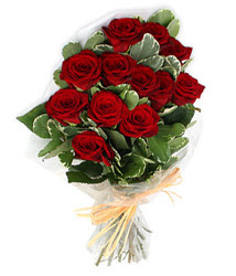 Erzurum çiçekçiler  9 lu kirmizi gül buketi.
