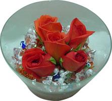 Erzurum çiçek yolla  5 adet gül ve cam tanzimde çiçekler