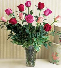 Erzurum ucuz çiçek gönder  12 adet karisik renkte gül cam yada mika vazoda