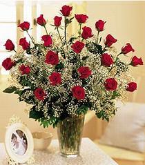 Erzurum 14 şubat sevgililer günü çiçek  özel günler için 12 adet kirmizi gül