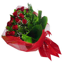 Erzurum hediye çiçek yolla  12 adet kirmizi essiz gül buketi - SEVENE ÖZEL