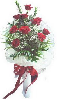Erzurum hediye sevgilime hediye çiçek  10 adet kirmizi gülden buket tanzimi özel anlara