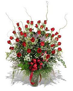 Erzurum çiçek servisi , çiçekçi adresleri  33 adet kirmizi gül vazo içerisinde