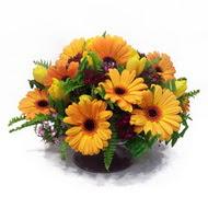 gerbera ve kir çiçek masa aranjmani  Erzurum yurtiçi ve yurtdışı çiçek siparişi