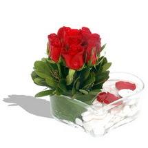 Mika kalp içerisinde 9 adet kirmizi gül  Erzurum çiçek , çiçekçi , çiçekçilik