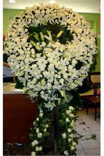 Cenaze çelenk , cenaze çiçekleri , çelengi  Erzurum uluslararası çiçek gönderme