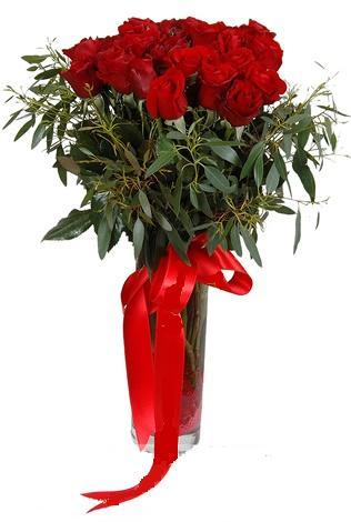 15 adet kirmizi gül cam vazo içerisinde  Erzurum çiçek mağazası , çiçekçi adresleri