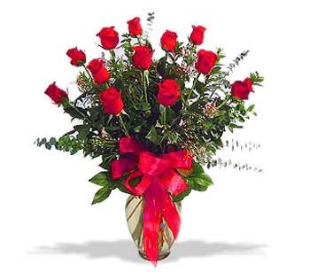 çiçek siparisi 11 adet kirmizi gül cam vazo  Erzurum online çiçekçi , çiçek siparişi