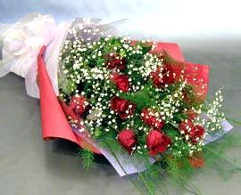 10 adet kirmizi gül çiçegi gönder  Erzurum çiçek gönderme