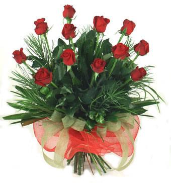 Çiçek yolla 12 adet kirmizi gül buketi  Erzurum çiçekçi mağazası