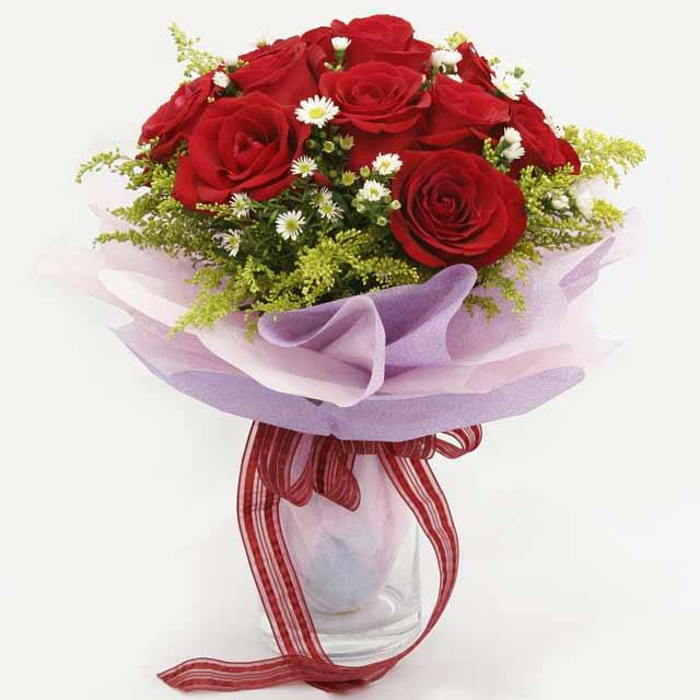 Çiçek gönderme estetikliginiz 11 gül buket  Erzurum çiçek online çiçek siparişi