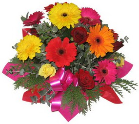 Karisik mevsim çiçeklerinden buket  Erzurum çiçekçi telefonları