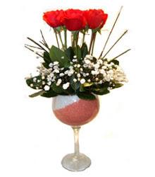 Erzurum kaliteli taze ve ucuz çiçekler  cam kadeh içinde 7 adet kirmizi gül çiçek