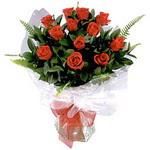 Erzurum 14 şubat sevgililer günü çiçek  9 adet güzel bir gül buketi