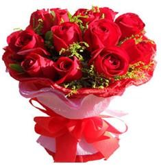 9 adet kirmizi güllerden kipkirmizi buket  Erzurum kaliteli taze ve ucuz çiçekler