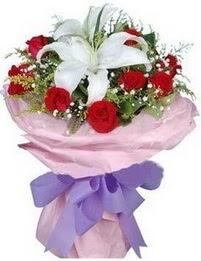 9 adet kirmizi gül 1 adet kazablanka buketi  Erzurum çiçek online çiçek siparişi