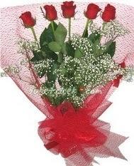 5 adet kirmizi gülden buket tanzimi  Erzurum online çiçek gönderme sipariş
