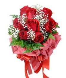 9 adet en kaliteli gülden kirmizi buket  Erzurum çiçek , çiçekçi , çiçekçilik