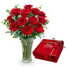 Erzurum çiçek online çiçek siparişi  10 adet cam yada mika vazoda gül çikolata