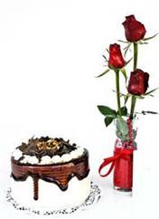 Erzurum yurtiçi ve yurtdışı çiçek siparişi  vazoda 3 adet kirmizi gül ve yaspasta