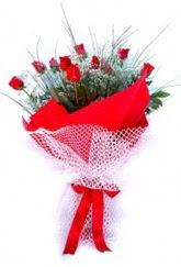 Erzurum internetten çiçek siparişi  9 adet kirmizi gül buketi demeti