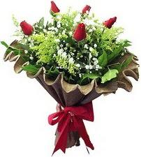 Erzurum online çiçekçi , çiçek siparişi  5 adet kirmizi gül buketi demeti