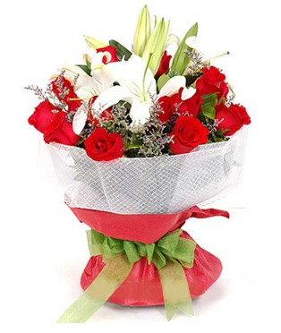 Erzurum hediye sevgilime hediye çiçek  1 dal kazablanka 11 adet kırmızı gül buketi