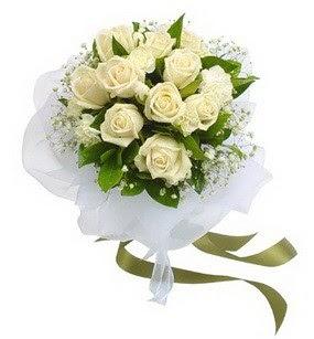 Erzurum internetten çiçek satışı  11 adet benbeyaz güllerden buket