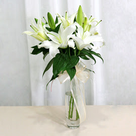 Erzurum çiçek gönderme  2 dal kazablanka ile yapılmış vazo çiçeği