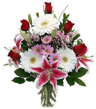 Erzurum ucuz çiçek gönder  1 dal kazablanka 5 gül ve kırçiçeği vazosu
