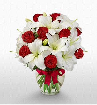 Erzurum hediye sevgilime hediye çiçek  1 dal kazablanka 11 adet kırmızı gül vazosu