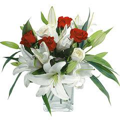 vazo içerisinde 4 gül 1 adet kazablanka  Erzurum online çiçekçi , çiçek siparişi